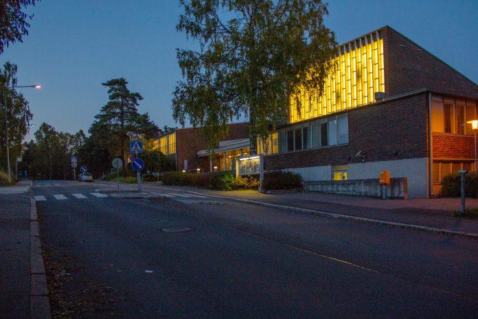 Herttoniemen kirkko, kuva Raimo Mäkelä