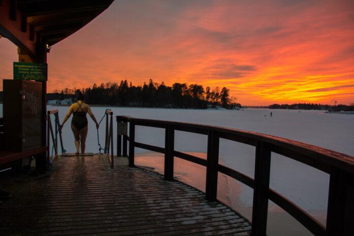 Herttoniemen Hylkeet - talviuintia Herttoniemessä, kuva Raimo Mäkelä